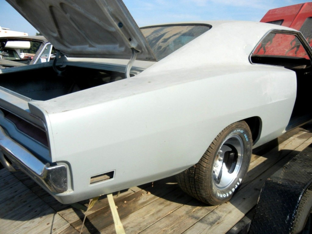 1969 dodge charger rebuilt 440 727 solid project car for sale. Black Bedroom Furniture Sets. Home Design Ideas