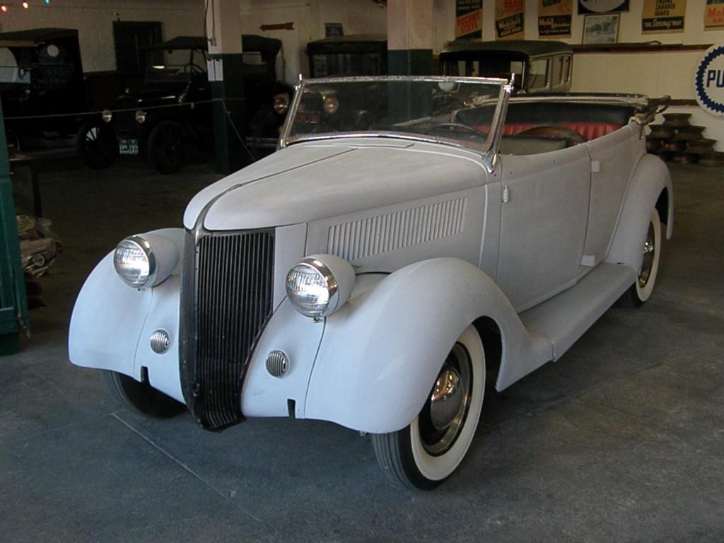 1936 Ford Deluxe Phaeton Model 68 Type 750