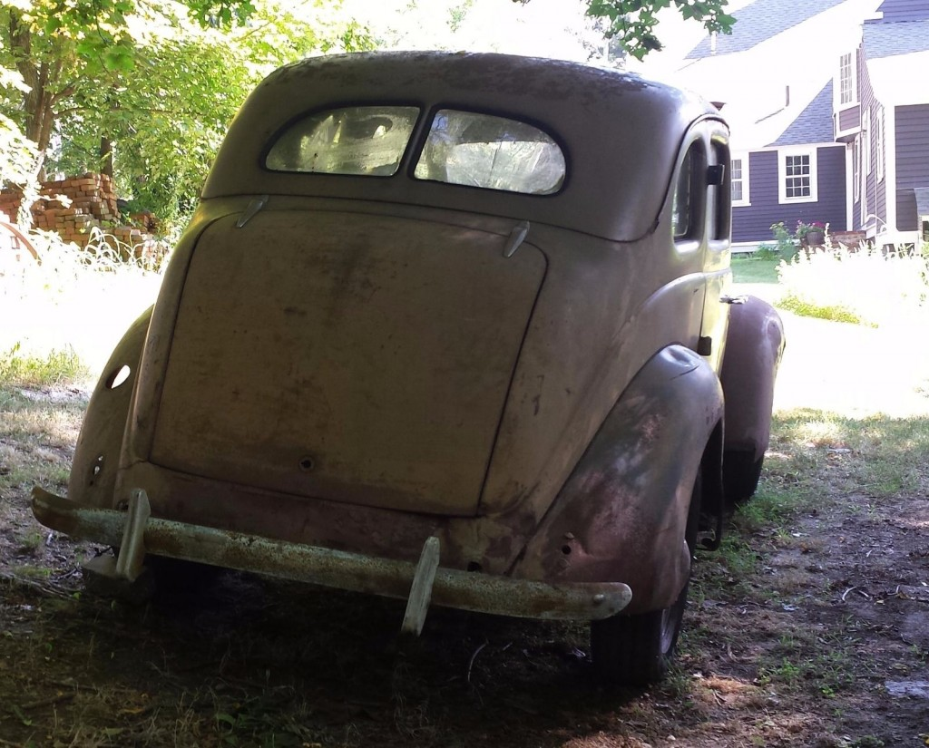 1937 Ford Fordor Sedan 85 HP Flathead V8 Restoration Project car
