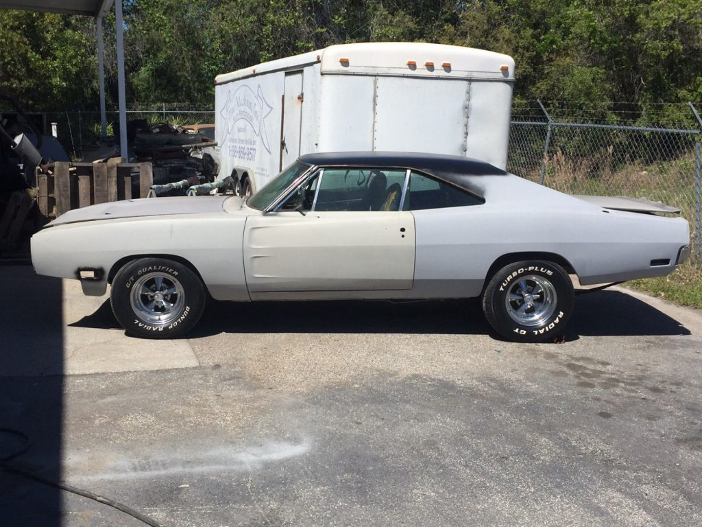 Matching numbers 1970 Dodge Charger SE project