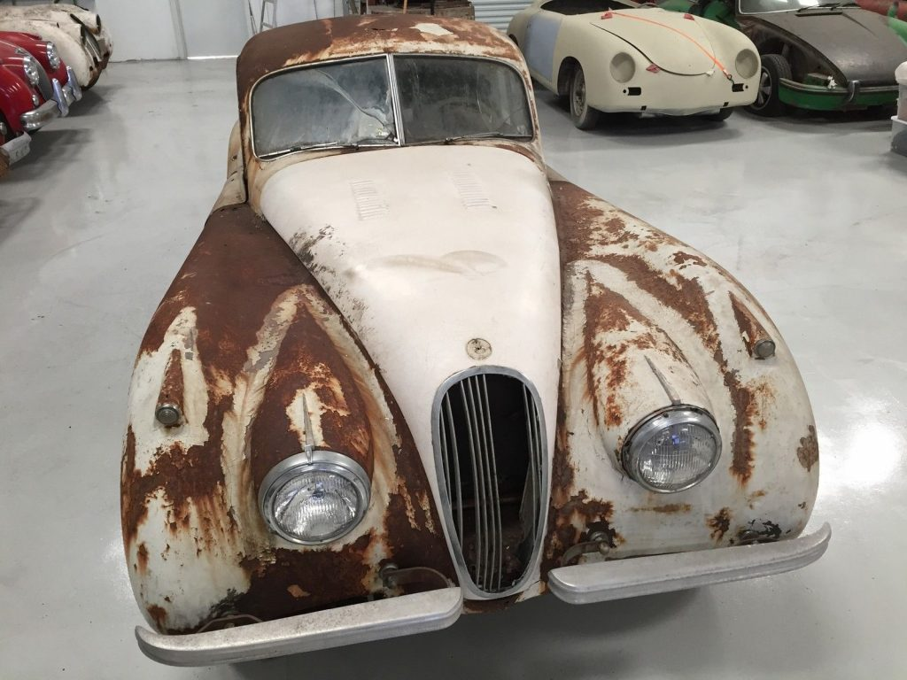 Classic british 1952 Jaguar XK restoration project