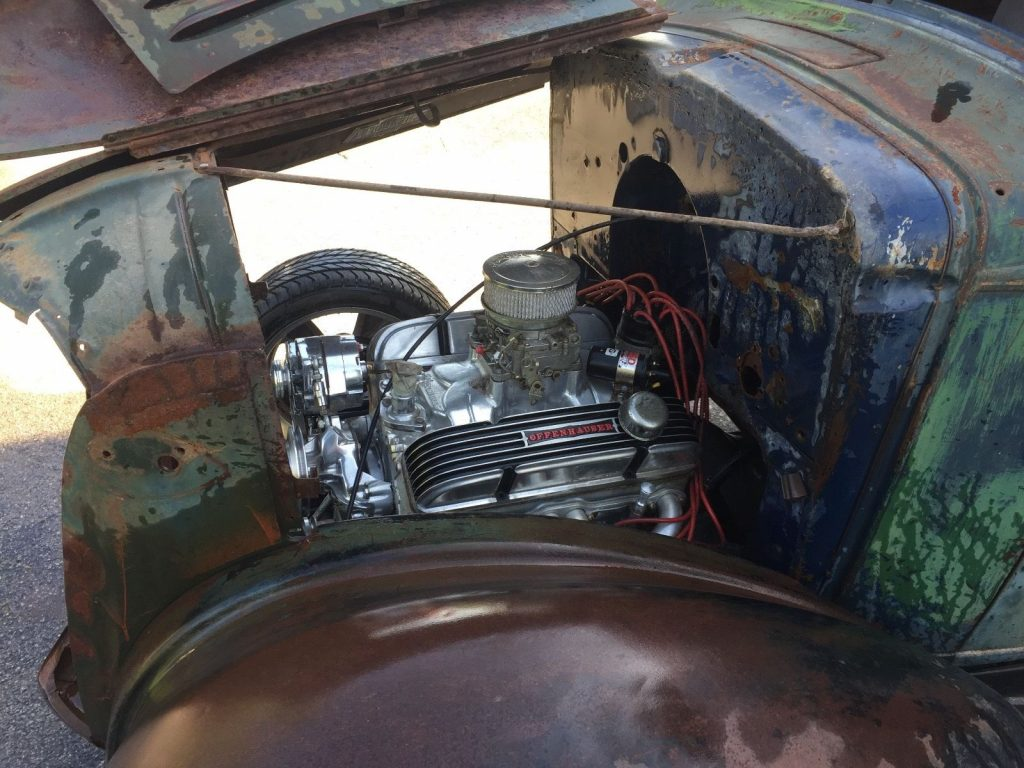 Little rust 1937 Chevrolet Pickups project