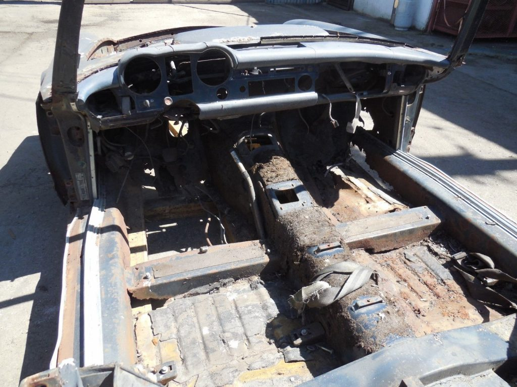 Raw body 1968 Mercedes Benz 280sl Project