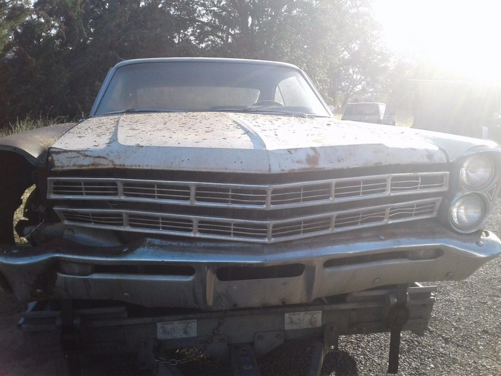 Engine runs 1967 Ford Galaxie project