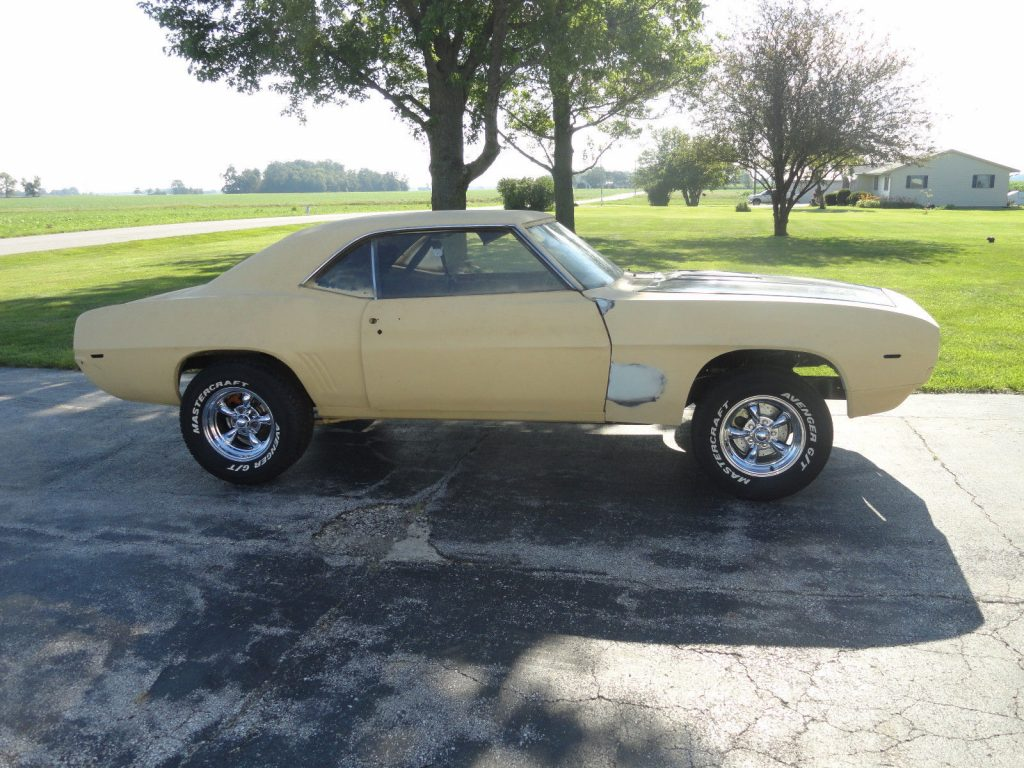 New parts 1969 Chevrolet Camaro SS tribute project