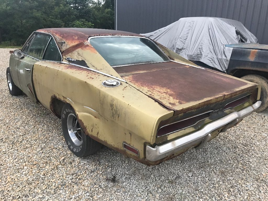 locked up engine 1970 Dodge Charger Base project