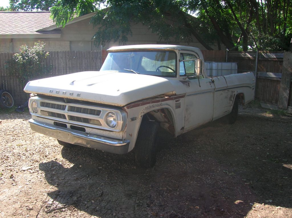 not original engine 1970 Dodge Adventurer D100 project
