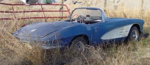 barn find 1961 Chevrolet Corvette Convertible project for sale