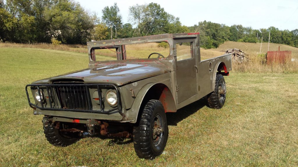 former ambulance 1967 M725 Jeep project