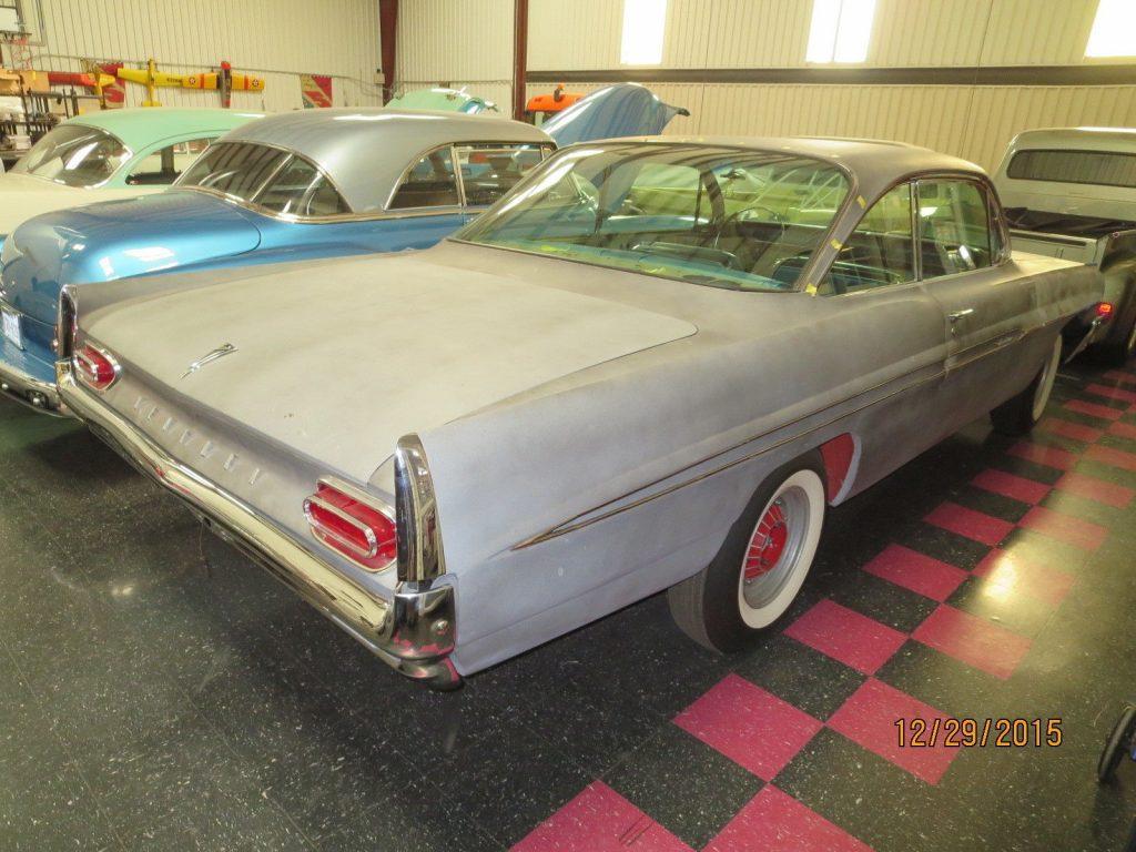 1961 Pontiac Ventura Coupe; 2 door