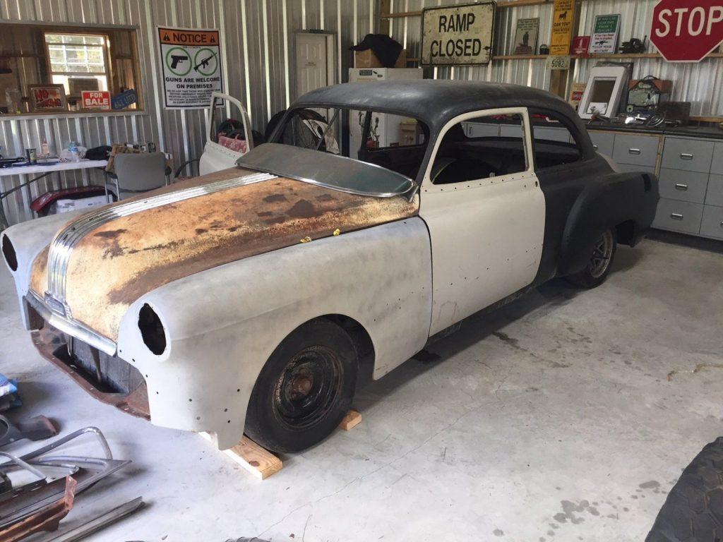 custom 1950 Pontiac Silver Streak project