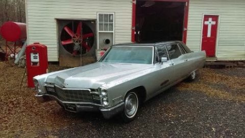 needs restoration 1968 Cadillac Fleetwood Limousine project for sale