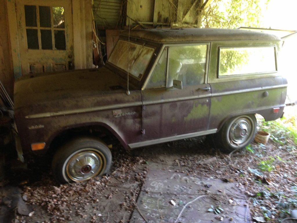 some rust 1969 Ford Bronco Sport project