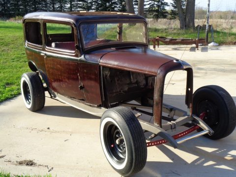 nice patina 1932 Ford sedan project for sale
