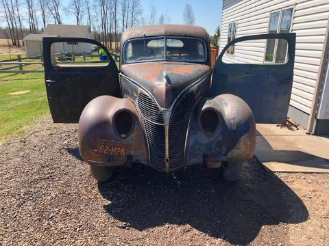 solid 1938 Ford Deluxe project for sale