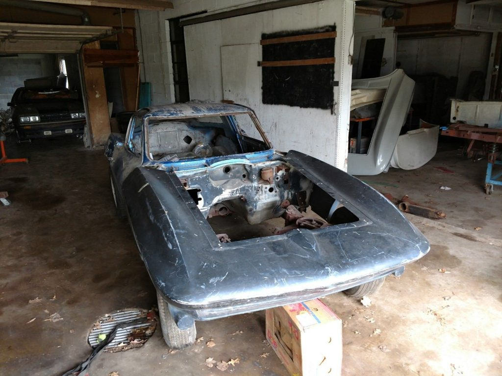 a lot of care needed 1965 Chevrolet Corvette project