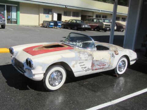 Rolling 1960 Chevrolet Corvette Convertible Project for sale