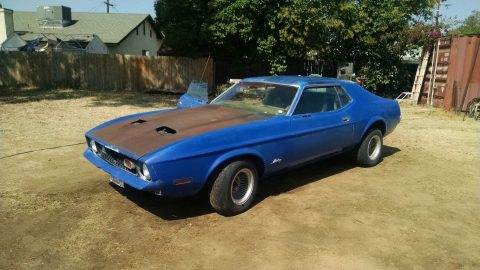 older repaint 1972 Ford Mustang Coupe project for sale