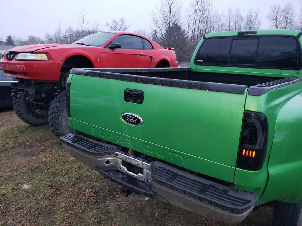 running 2000 Ford F 350 monster truck project