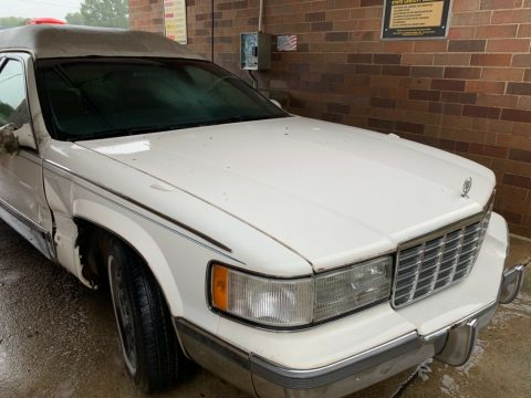 needs work 1998 Cadillac hearse project for sale