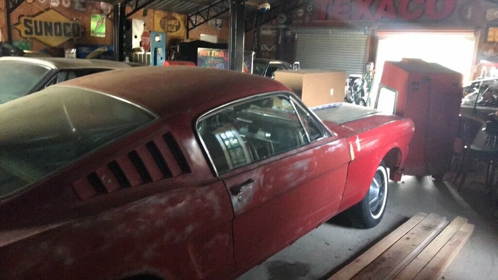 good starter 1965 Ford Mustang Fastback 2+2 project