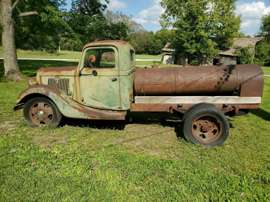 solid 1935 Ford Pickup tanker project