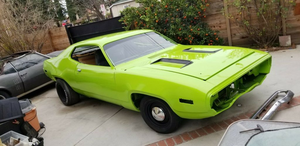 very nice 1971 Plymouth Road Runner 383 4 speed project