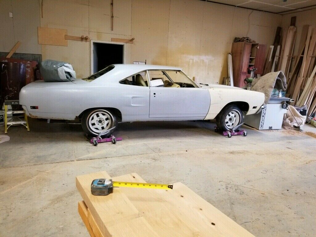 lot of original parts 1970 Plymouth Road Runner project