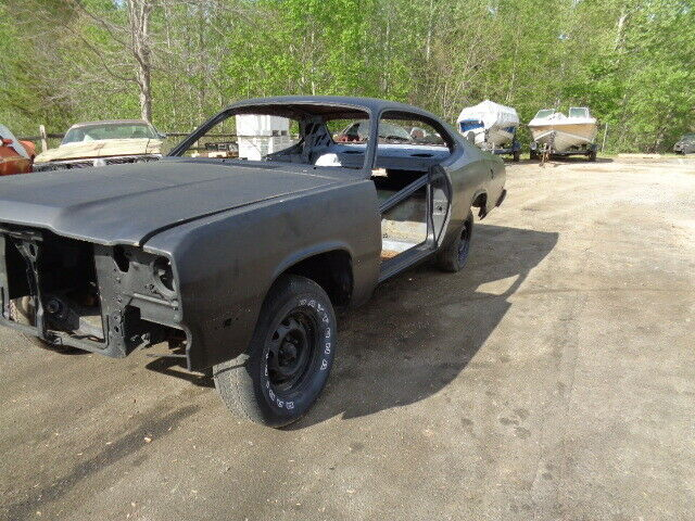 pretty solid 1974 Plymouth Duster 440 727 Torque flight project