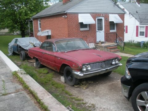 needs a lot of work 1961 Buick LeSabre project for sale
