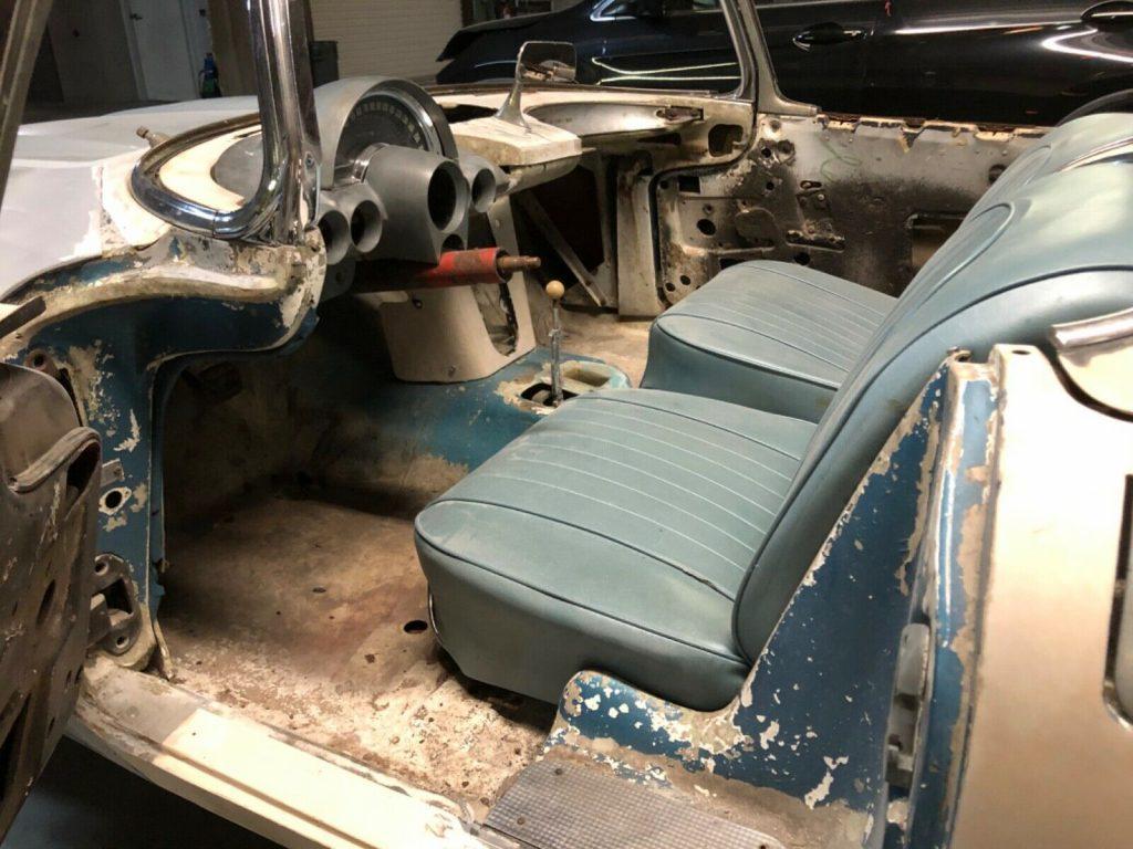 needs full restoration 1960 Chevrolet Corvette project